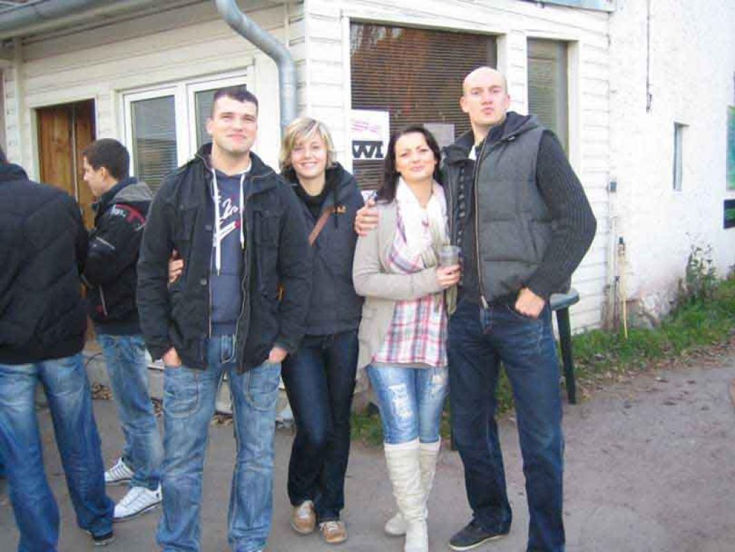 das war unser la familia herbstfest 2010 la familia fightclub halle. Black Bedroom Furniture Sets. Home Design Ideas